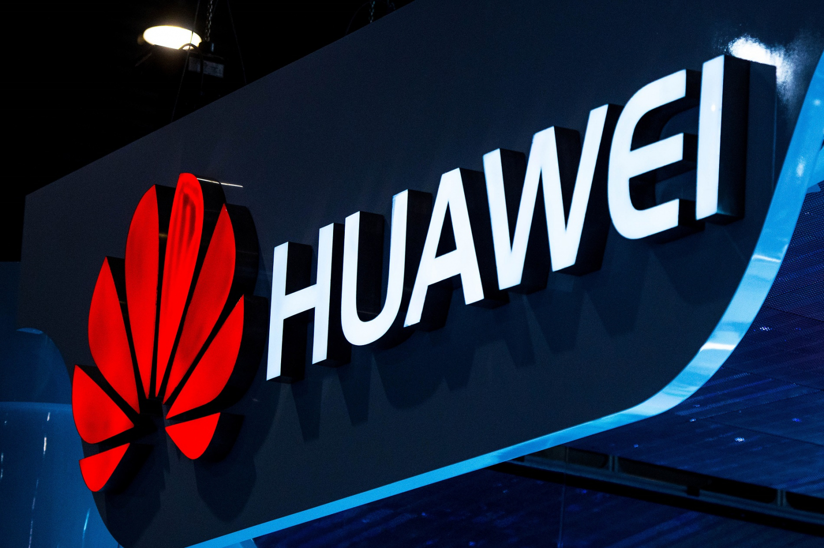 Huawei Is Suing Verizon For More Than $1 Billion Over Patent